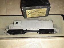 Vintage Spectrum/Bachmann GP30 Diesel HO Undecorated Locomotive 41-0828-D2