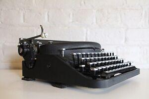 Antique Remington Noiseless Portable Typewriter - Excellent - Near Mint