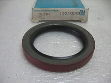 1960's 1970's CHEVROLET GMC MEDIUM DUTY TRUCK REAR DIFFERENTIAL PINION SEAL NOS