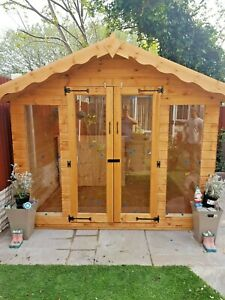 12x10ft insulated Summer house with bar