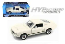 WELLY 1:24 1967 FORD MUSTANG GT DIE-CAST WHITE/CREAM 22522