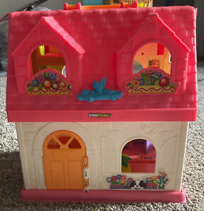 Mattel Fisher Price Little People Surprise and Sounds Folding Doll House, 2015