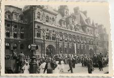 PHOTO ANCIENNE - VINTAGE SNAPSHOT - MILITAIRE LIBÉRATION PARIS HOTEL DE VILLE