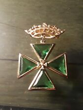 Vintage Maltese Coss Gold Toned W/Emerald Glass