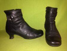 Black La Canadienne Ankle Boots 10