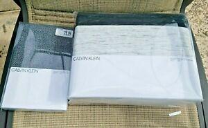 Calvin Klein King Size Reversible Duvet Cover Gene and 2 Piece Sham Brand New