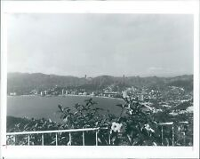 1986 View of Bahia de Acapulco Brazil Original News Service Photo