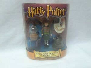 Harry Potter 2002 Magical Minis Hermione Granger  #47418 NIB Doll & Stamp & Ink