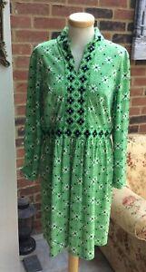 True Vintage 70s short boho short dress floral green Hippie look UK 10 Smock