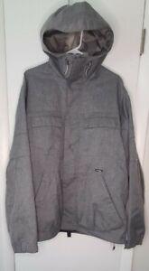 Burton Men's Covert Ski/Snowboard Jacket  Grey  Size L
