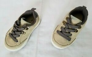 Toddlers Size 4 Beige Carter's Casual Shoes OZZY2-CR preowned