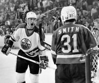 Wayne Gretzky Billy Smith Edmonton Oilers UNSIGNED 8x10 Photo
