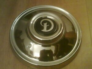 DAIMLER SOVEREIGN COUPE  BRAND NEW HUB CAPS AND BADGES X 4 (Free UK post)