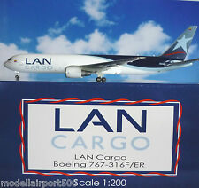 JC Wings 1:200 Boeing 767-316F LAN Cargo N312LA  XX2810 + Herpa Wings Katalog