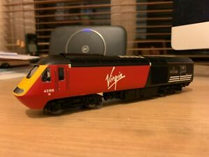 Hornby R2704 Class 43 HST power/dummy twin pack Virgin Trains red livery