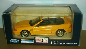 1/24 Scale 1994 Ford Mustang GT Diecast Model Car (SN95) Maisto 31905 Yellow