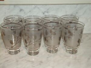 VINTAGE DRINKING GLASSES WITH SILVER PINECONES