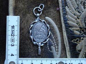 Charivari  Anhänger echt Silber alter Uhrenschlüssel Lamm Kreuz Fahne