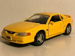 """WELLY 1994 MUSTANG GT YELLOW 1:32 DIECAST MODEL CAR 5.25"""" PULL BACK NEW NO BOX"""