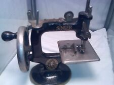 antique Toy SINGER #20 HAND CRANK SEWING MACHINE with new Clamp /-working -decor
