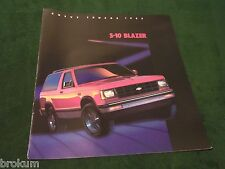 MINT CHEVROLET 1985 CHEVY S-10 BLAZER 20 PAGE SALES BROCHURE NEW (BOX 547)