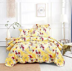 DaDa Bedding Radiant Sunshine Yellow Hummingbirds Floral Scalloped Bedspread Set