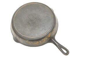 #9 GRISWOLD CAST IRON SKILLET WITH HEAT RING SLANT ERIE PA USA LOGO 710
