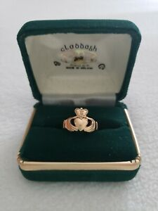 Vintage 9ct 375 Yellow Gold Claddagh Ring Made in Ireland
