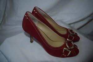 """Oscar de La Renta """"Dayla"""" shoes...crimson suede gold detail...size 6...excellent"""