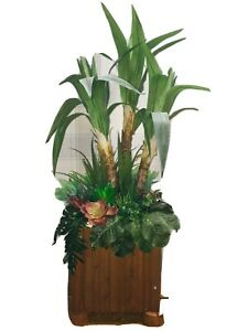 ARTFICIAL YUCCA TREE IN A WOODEN PLANTER