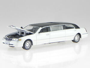 Lincoln Town Car 2000 white roof black diecast model car 36310 Vitesse 1:43