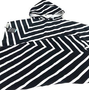 NWT Leus Cotton Poncho Towel With Inner Kangaroo Pocket Black White
