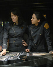 Michelle Forbes & Cast (40253) 8x10 Photo