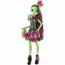Monster High Party Ghouls Venus McFlytrap Doll - FDF14