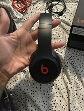 Beats by Dr. Dre Solo3 Wireless Headphones Defiant Black/Red USED