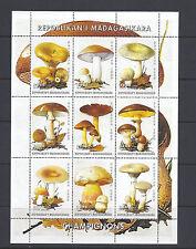 MADAGASCAR MUSROOMS CHAMPIGNONS souvenir sheet VF MNH