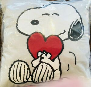 Pottery Barn Kids Peanuts Snoopy Valentines Day Heart Pillow Decor Gray Red