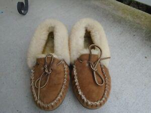 LL Bean Womens chestnut Wicked Good fur Slipper Moccasins Size 9