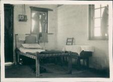 Photo 1949 Pakistan  RAF Mauripur Transit Camp Barracks hut interior