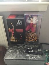 Disney Villain Limited Edition Designer Doll Queen Of Hearts Alice