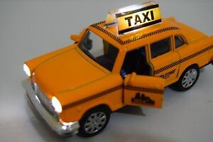 Diecast Car Taxi Yellow Cab 1/32 Music & Lights New York Yellow Cab Style
