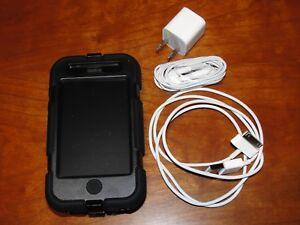 Apple iPhone 3G - 8GB - Black Smartphone (MB702LL/B) UNLOCKED.