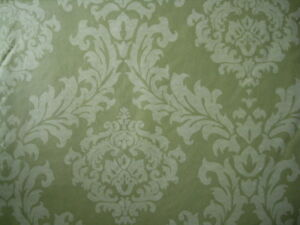 52x90 OBLONG GREEN COLOR DAMASK VINYL / FLANNEL BACKED TABLECLOTH BY ELRENE