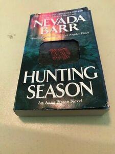 Hunting Season (An Anna Pigeon Novel) by Barr, Nevada