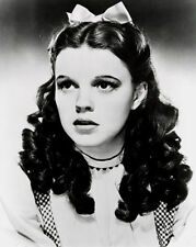 JUDY GARLAND UNSIGNED PHOTO - 592- THE WIZARD OF OZ