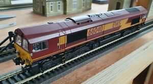 Bachmann 32-733DS Class 66 66040 in EWS livery - DCC sound fitted