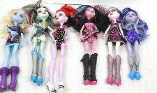Monster High dolls lot of 6 dressed and wearing shoes