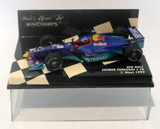 Voitures de courses miniatures bleus sous boîte fermée pour Sauber