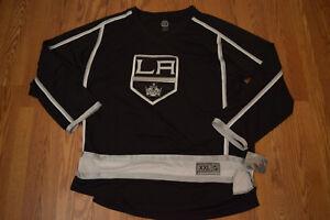 LA KINGS Official NHL Los Angeles Kings Hockey Black Jersey Shirt L Large NWT