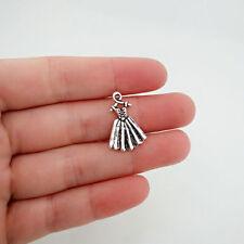 8 pcs Dress Tibet silver Charms Pendants DIY Jewellery Making crafts